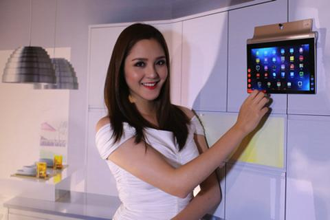 YOGA Tablet 2:  Thông minh và sáng tạo