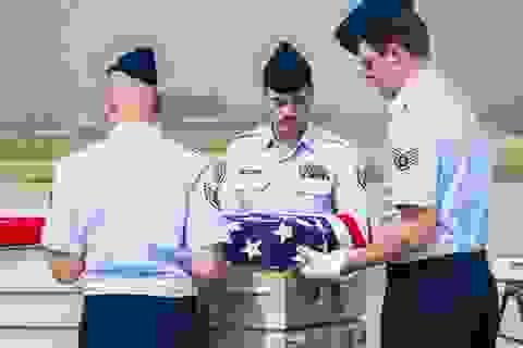Lễ hồi hương hài cốt quân nhân Mỹ tại sân bay Nội Bài
