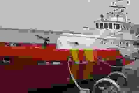 Điều tàu đi cứu ngư dân bị thương nặng ngoài Trường Sa
