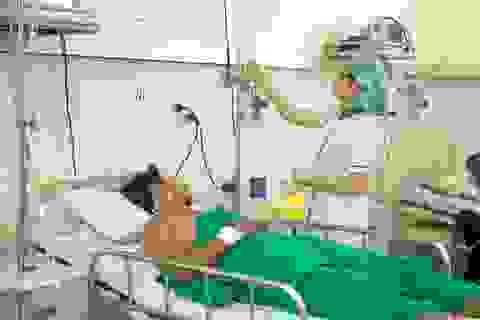 Cứu sống kịp thời bệnh nhân bị ngã cầu thang từ tầng 3