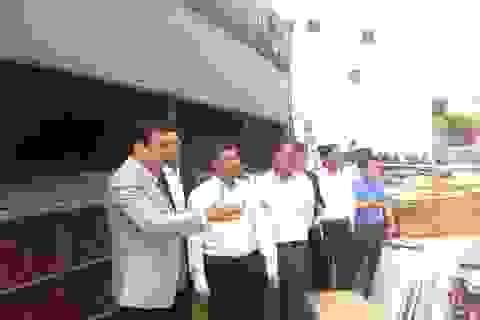 Chủ tịch Đà Nẵng thăm hỏi gia đình các nạn nhân vụ rơi thang máy