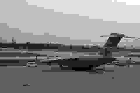 Hai chuyên cơ dự phòng phục vụ Tổng thống Obama ở Sân bay Đà Nẵng