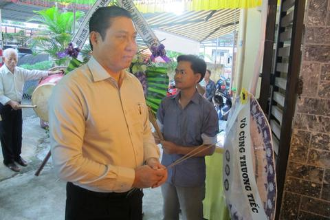 Chủ tịch Đà Nẵng gợi hướng giúp gia đình cậu bé ung thư ước mơ làm CSGT