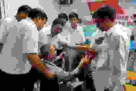 Nước mắt ngày hội ngộ của cựu binh Gạc Ma trên giường bệnh