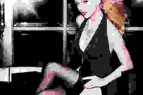 """Taylor Swift diện váy hở bạo chia sẻ chuyện """"đàn ông"""""""