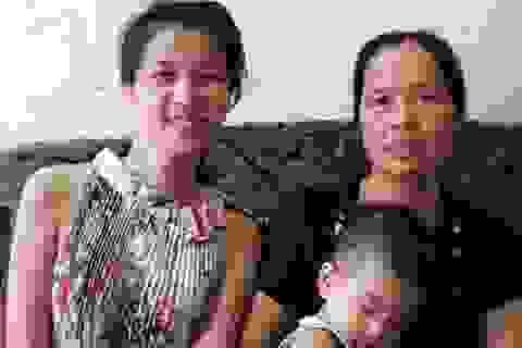 Mẹ Á hậu khiếm thính Thúy Đoan tủi thân cho con gái