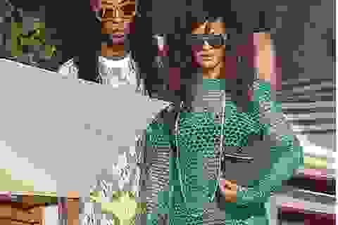 Rihanna lại khoe nội y với váy lưới