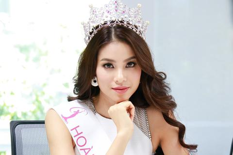 Phạm Hương tập luyện chăm chỉ cho Hoa hậu Hoàn vũ