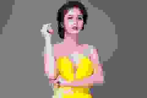 Hậu ly hôn, vợ cũ Phan Thanh Bình khoe vòng một gợi cảm