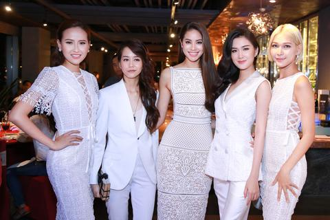 Phạm Hương lần đầu ra mắt team The Face trong buổi tiệc ấm áp