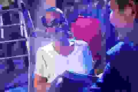 Hình ảnh của ca sĩ Minh Thuận trong phim mới trước khi nhập viện