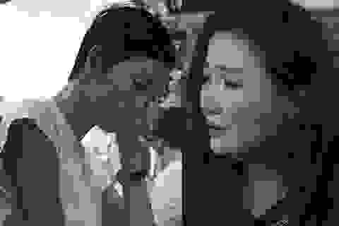 Nghệ sĩ Việt khóc nghẹn khi đến viếng ca sĩ Minh Thuận lúc tối muộn