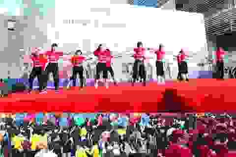Zumba khuấy động 20.000 sinh viên tại giải việt dã 2013