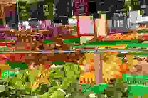 Cấp phép bán buôn, siêu thị Metro vẫn công khai bán lẻ