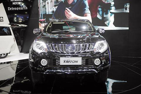 Mitsubishi ra mắt Triton mới