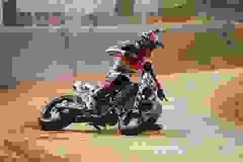 Vận đen chưa rời bỏ Repsol Honda: Marquez lại gãy ngón tay