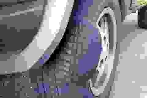 Đoán bệnh lốp xe qua các vết mòn