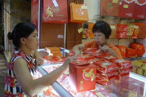 Thị trường bánh trung thu: Cạnh tranh khốc liệt trước giờ G