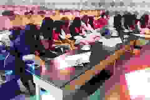 Hơn 40 tiếp viên nhà hàng nhốn nháo bỏ chạy khi bị công an kiểm tra
