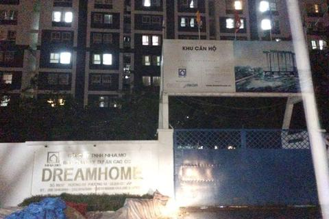 Sập giàn giáo ở dự án Dream Home Luxury, 1 người chết