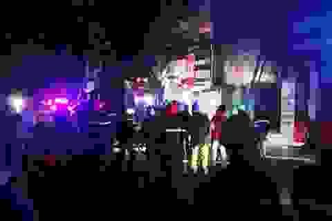 Cháy tiệm may lúc rạng sáng, 4 người thoát chết