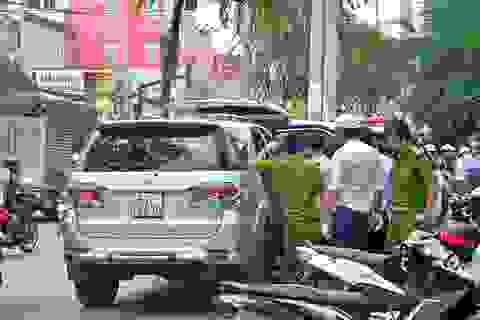 Người nước ngoài đột tử trên ô tô đang chạy