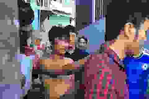 Thanh niên cầm hung khí xông vào nhà dân cố thủ nhiều giờ