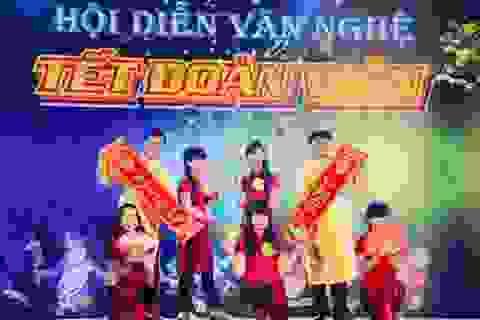 """Sôi động đêm biểu diễn văn nghệ """"Mừng Đảng, Mừng xuân"""" của học sinh Sóc Trăng"""