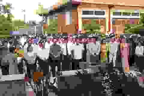 """Vọng vang bài ca """"vua"""" sân khấu tại lễ tưởng niệm nhạc sĩ Cao Văn Lầu"""