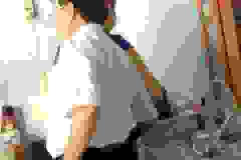 Vụ quàng tay vào đùi nữ tạp vụ: Đề nghị khiển trách Phó Giám đốc Sở VH-TT&DL