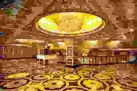 Trụ sở công ty với nội thất dát vàng xa hoa như cung điện