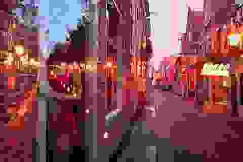 """""""Đột nhập"""" 8 khu phố đèn đỏ lớn nhất thế giới"""
