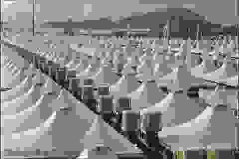 Thành phố phủ trắng xóa bởi hàng trăm ngàn túp lều