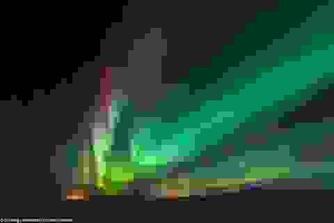 Ngắm vẻ rực rỡ mà huyền bí của Bắc cực quang