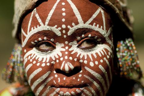 Muôn kiểu làm đẹp của các bộ tộc trên thế giới