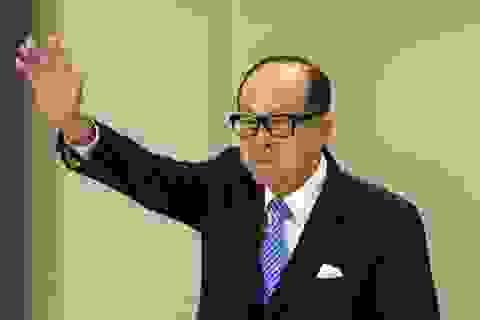 """Sở hữu tài sản kếch xù, tỷ phú giàu nhất Hong Kong vẫn dùng đồng hồ """"rẻ tiền"""""""