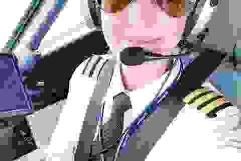 Nữ phi công xinh đẹp khoe cuộc sống bên buồng lái