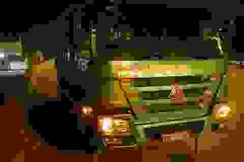 """Hà Nội: """"Hung thần"""" xe tải lại lộng hành về đêm"""