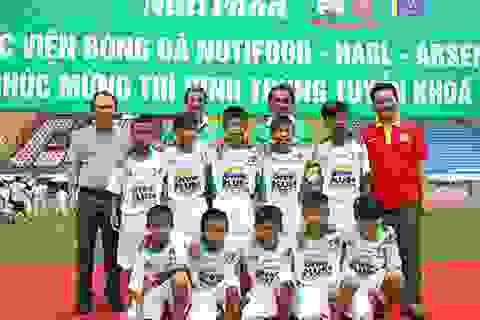 10 thí sinh trở thành học viên khóa I học viện bóng đá Nutifood