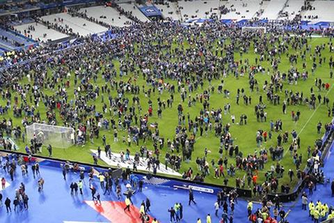 Kẻ đánh bom bị chặn lại trước khi kịp đưa chất nổ vào sân Stade de France
