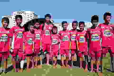 Đội U21 HAGL giao lưu cùng học viện bóng đá NutiFood- HAGL- Arsenal- JMG