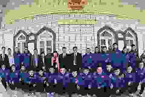 Đại sứ Việt Nam tại Uzbekistan chúc Tết đội tuyển futsal quốc gia