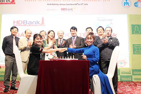 Kỳ thủ nữ tại giải cờ vua quốc tế HDBank 2016