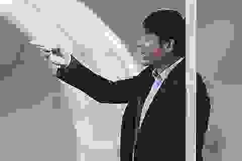 HLV Nguyễn Hữu Thắng chưa hài lòng dù đội tuyển thắng đậm