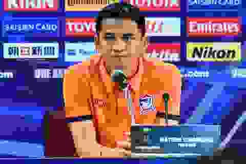 Kiatisuk lo ngại các tình huống bóng bổng từ Singapore