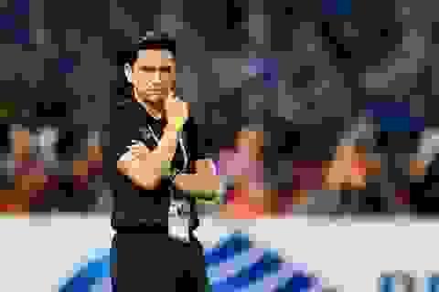 HLV Kiatisuk cao tay hơn HLV Hữu Thắng khi bị Indonesia dẫn trước