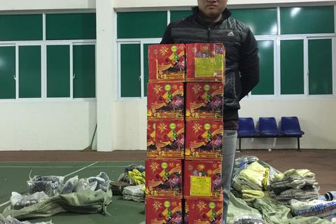 Liên tiếp bắt pháo lậu tại Hà Nội