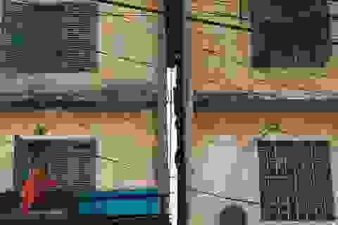 Nghịch lý tại khu chung cư nguy hiểm bậc nhất Hà Nội