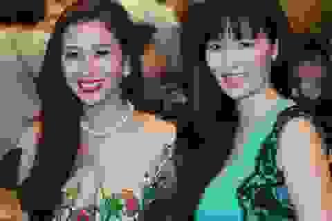 Hoa hậu Thu Thủy đẹp giản dị bên Á hậu quý bà Thu Hương