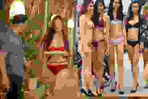 Mặc bikini bán hàng, rót bia: Văn hóa bị lấn lướt bởi thị hiếu tầm thường?